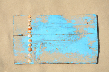 Blaues Holzschild