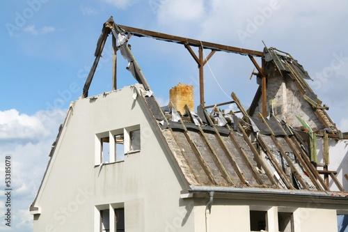 canvas print picture Ein  Haus wird abgerissen