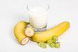 Banane, Weintrauben und Milch