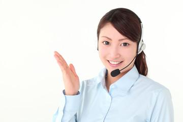 コールセンターの若い女性