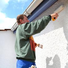 restauration des peintures de la façade d'une maison