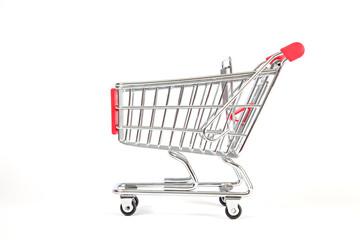 Einkaufswagen auf weiß isoliert