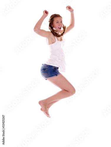 Junges Mädchen mit Zopf springt