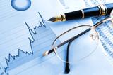 fondo de finanzas y economia.Estadisticas,graficos y gafas - 53426211