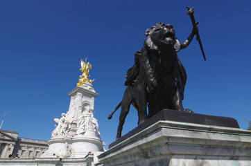 Victoria Memorial Of Buckingham Palace