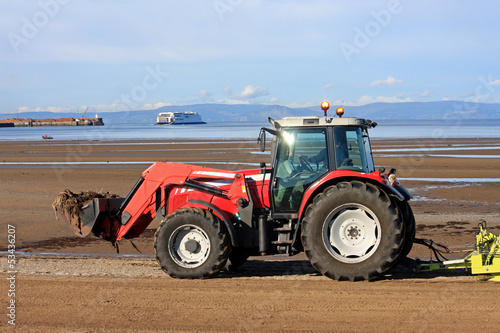 beach cleaner tractor