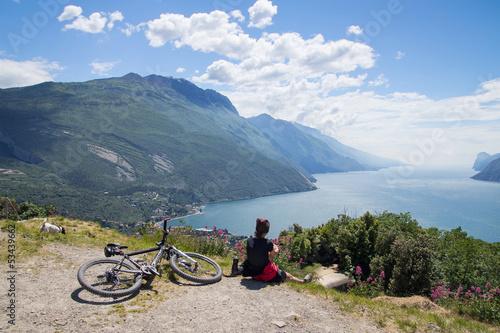 Foto op Canvas Fietsen women, bike, mountainbike, lake garda, riva, monte brione