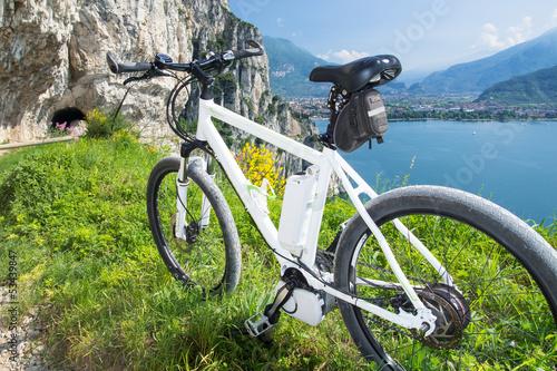 Keuken foto achterwand Fietsen e-bike, pedelec, gardasee, fahrrad, mountainbike