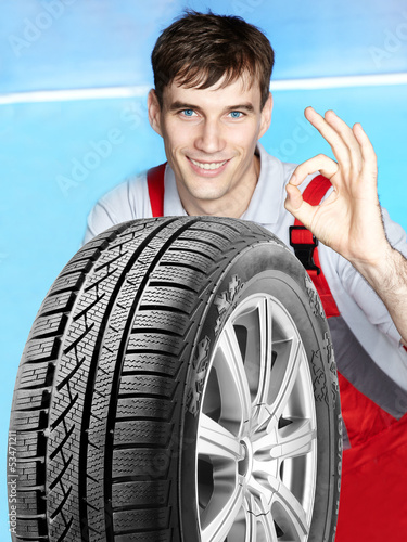 Master mechanic is satisfied with the winter tire