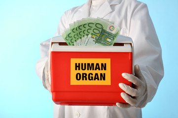 Kühlbox mit Organspende