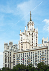 building Kotelnicheskya embankment in Moscow