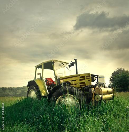 Fototapeten,traktor,gras,feld,wiese