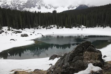 Colori d'inverno al lago di Carezza
