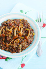 Lentil stew with wild mushrooms