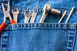 Jeanstasche mit Werkzeug