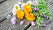 canvas print picture - bouquet printanier de fleurs champêtre