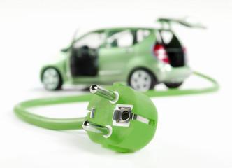 Elektroauto mit Stromkabel