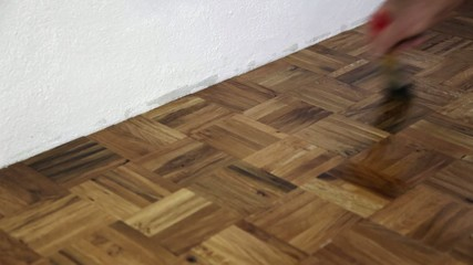 Shiny as a varnished parquet