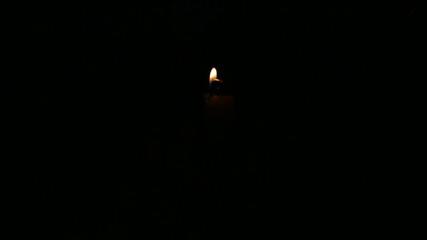 Kerzen anzuenden Mitte zuerst