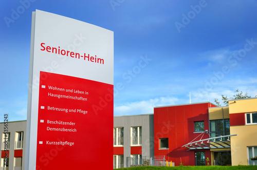 Leinwanddruck Bild Seniorenheim Schild Altersheim