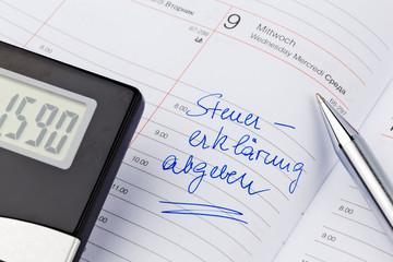 Eintrag im Kalender: Steuererklärung abgeben
