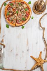Sailor's pizza frame