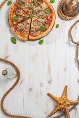 Pepperoni pizza frame