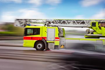 Feuerwehrauto auf Einsatzfahrt
