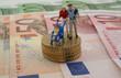 Kleinfamilie auf Geldscheinen