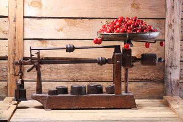 bascula con cerezas