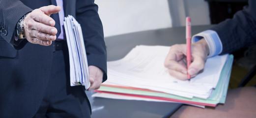 acuerdo y contrato de negocios