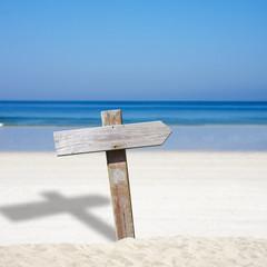 playa y letrero