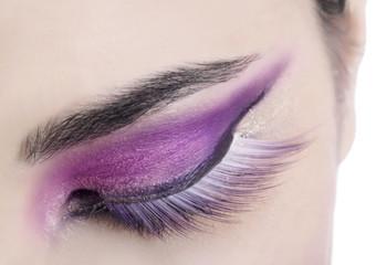 Ombretto viola con ciglia finte