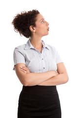 Frau fassungslos und unverstanden isoliert in Rock und Bluse