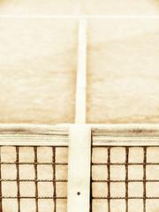 Tennisplatz mit Linie und Netz 123, high key