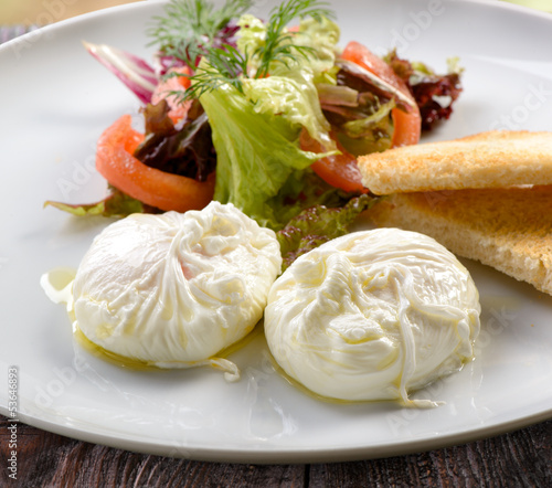 traditional breakfast of poached eggs