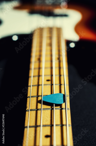 bass guitar mediator