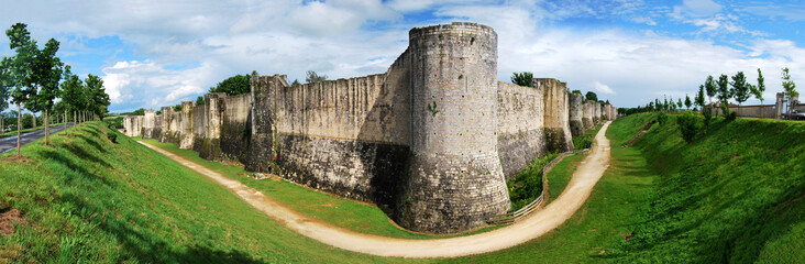 Panorama des remparts de Provins france