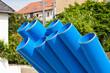 Blaue Rohre aus Kunststoff