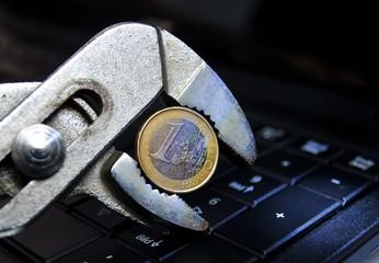Eurokrise - Der Euro in der Zange