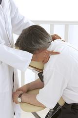 Amma assis - Massage des clavicules