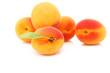 Abricots isolés