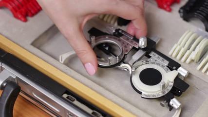 lenses kit to eyesight test