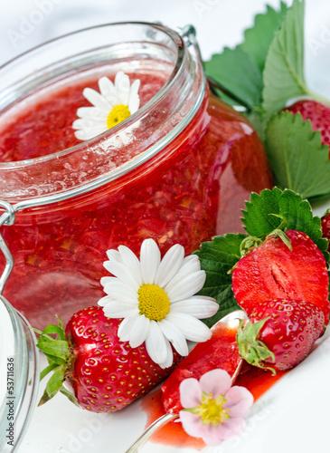 Lecker: Frisch gekochte Erdbeermarmelade
