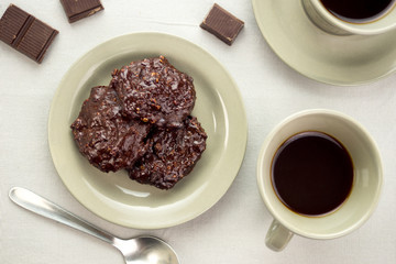 Black coffee with dark chocolate cookies