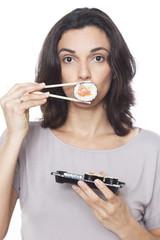 Komische Gesichter mit Sushi
