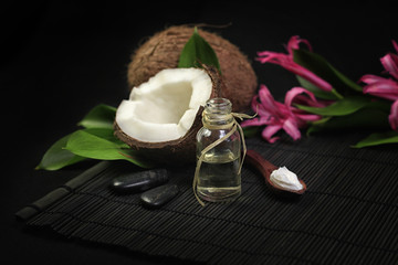 Spa composition with coconut oil and flowers