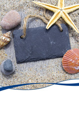 Kreidetafel mit Muscheln und Seestern
