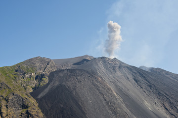 vetta del vulcano stromboli