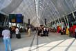 Leinwandbild Motiv Halle de gare ferroviaire moderne